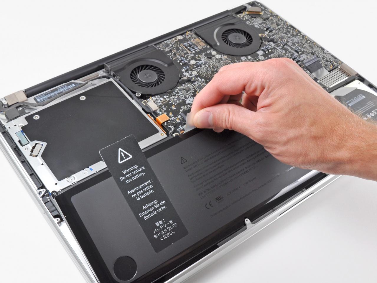Как выбрать и заменить аккумулятор для ноутбука: краткая инструкция